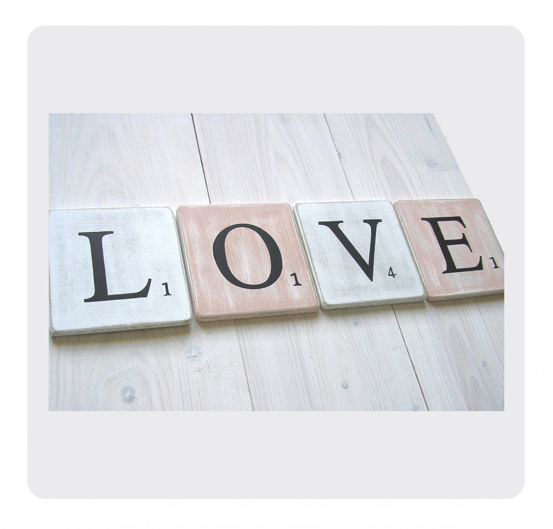 Lettres d corative en bois patin fa on scrabble - Deco lettre scrabble ...